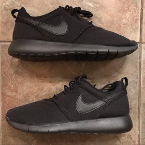 NEW Youth/Women's Nike Roshe One Running Shoes